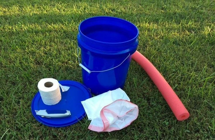 what you need for diy bucket toilet