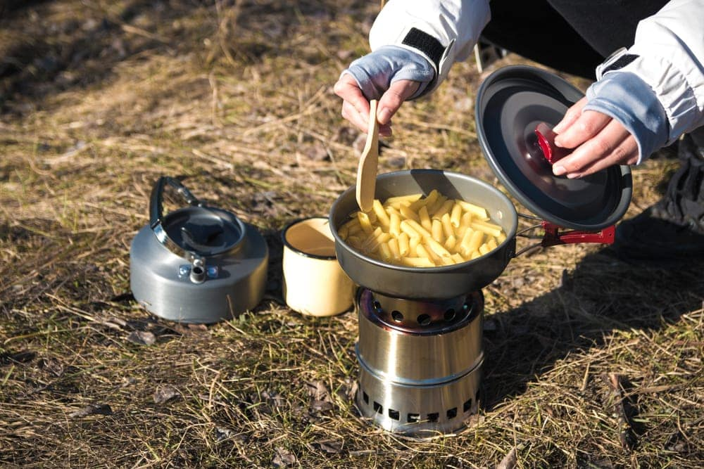 Cooking a pasta as a camping food