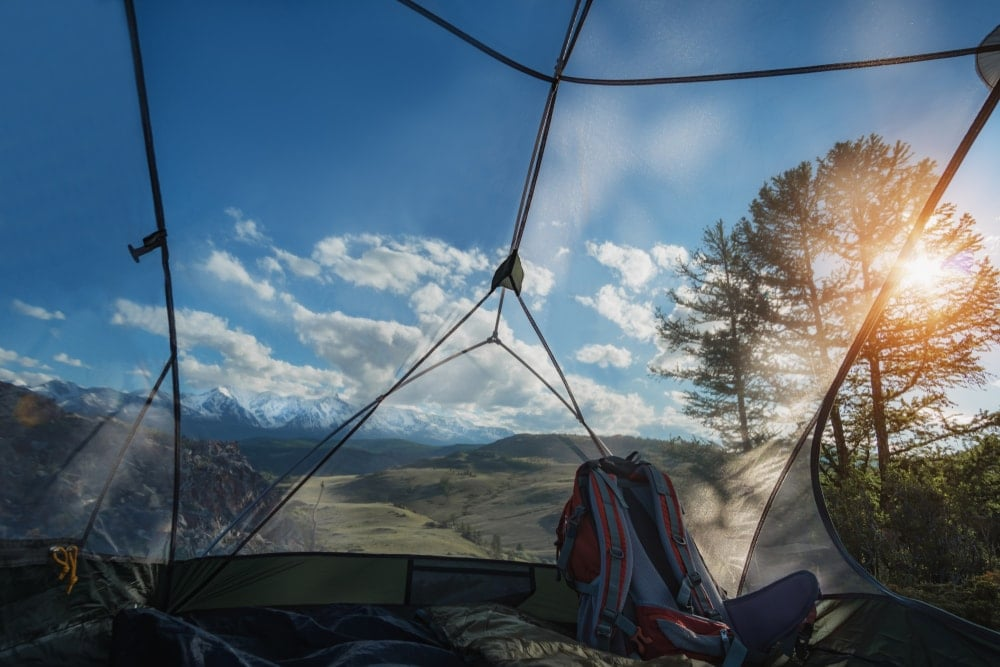 Camping tent with a screen