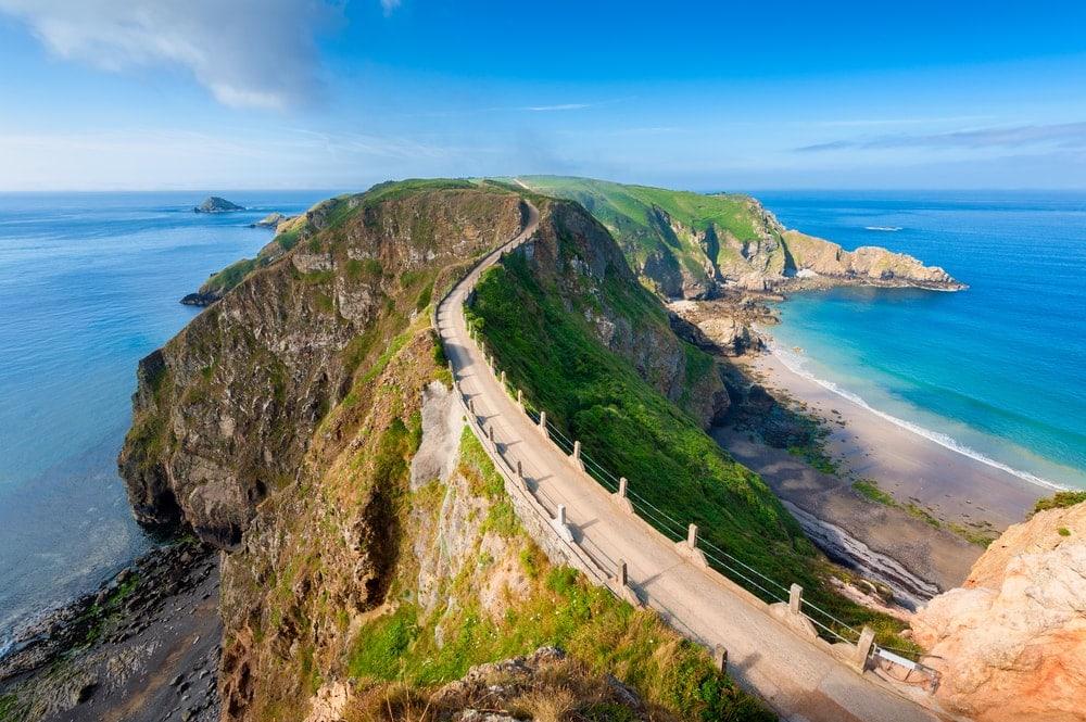 Isthmus coastal landform in UK