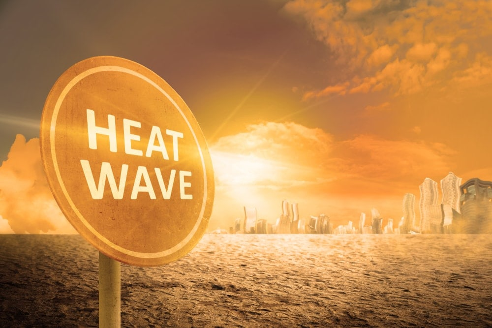 Heat wave warning signpost